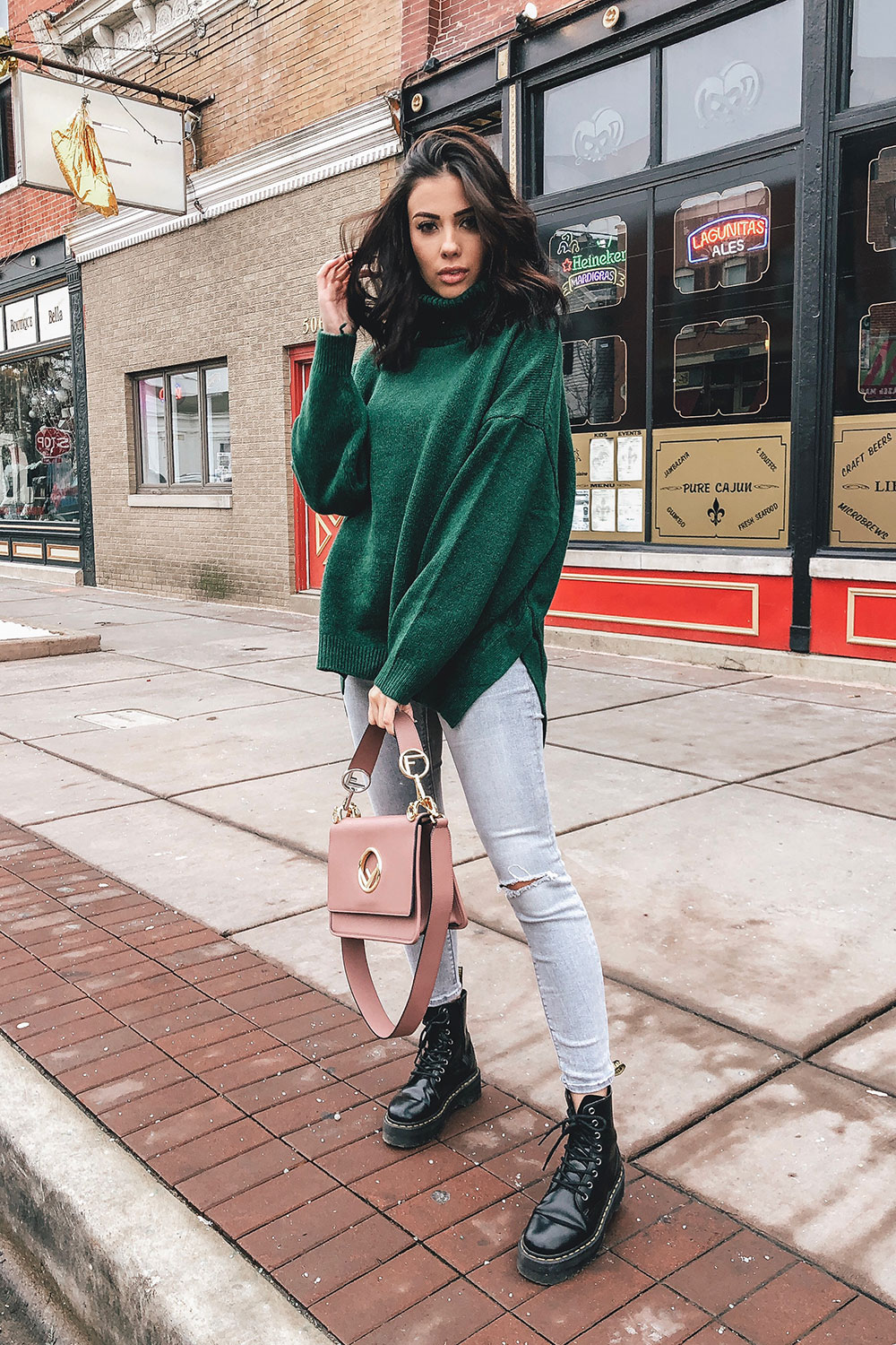 5ab42e33333 Green Sweater Outfit - HelloThalita