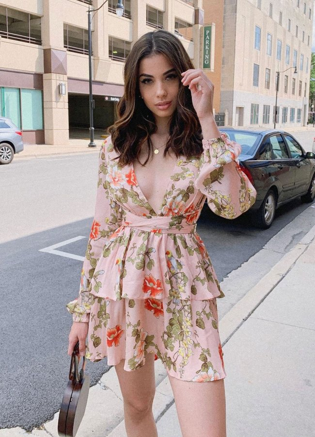 Best Shoes to Wear With a Floral Dress – 9 Cute Ideas