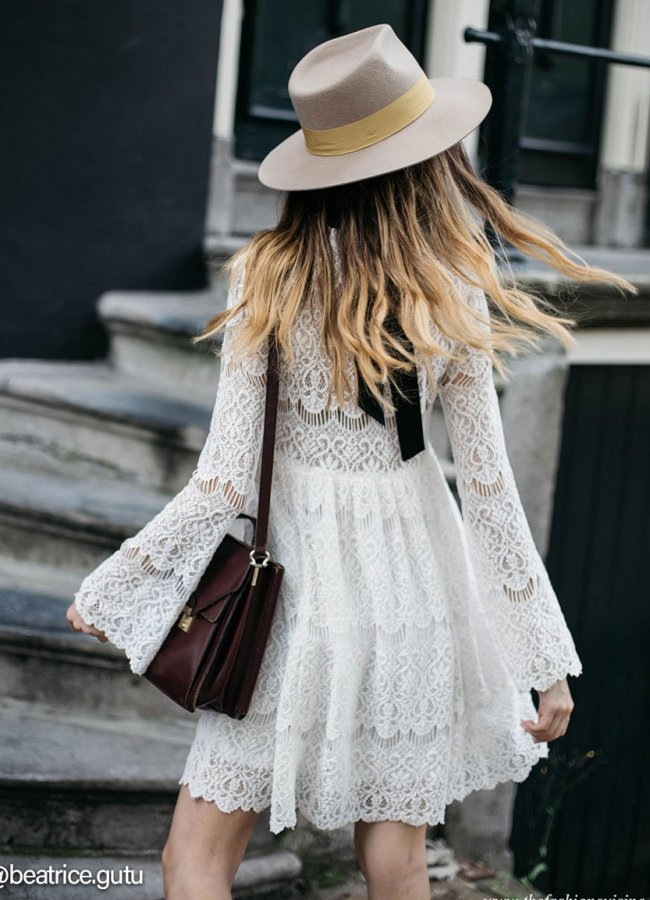 Best Shoes to Wear With a Lace Dress