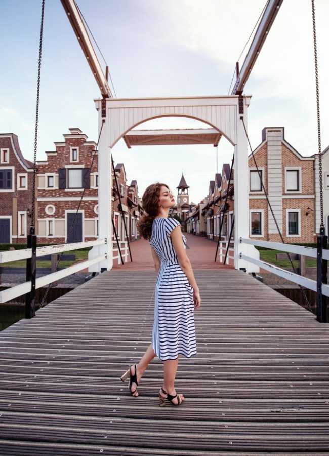 How to Wear a Striped Dress – 21 Ideas to Inspire You
