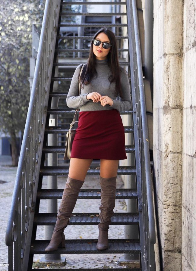 What to Wear With a Burgundy Skirt – 31 Outfit Ideas