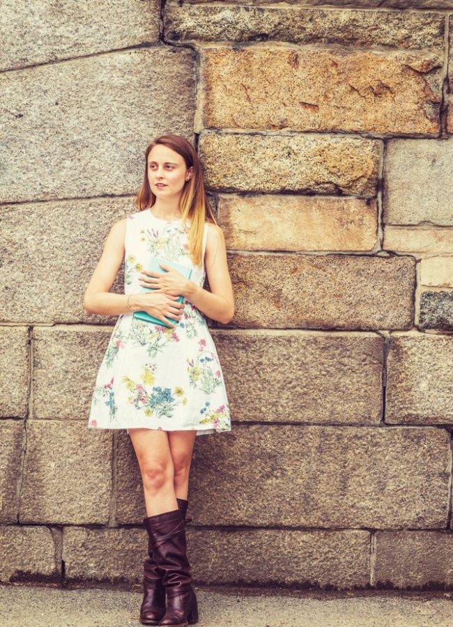 12 Cute Outfits With Brown Riding Boots