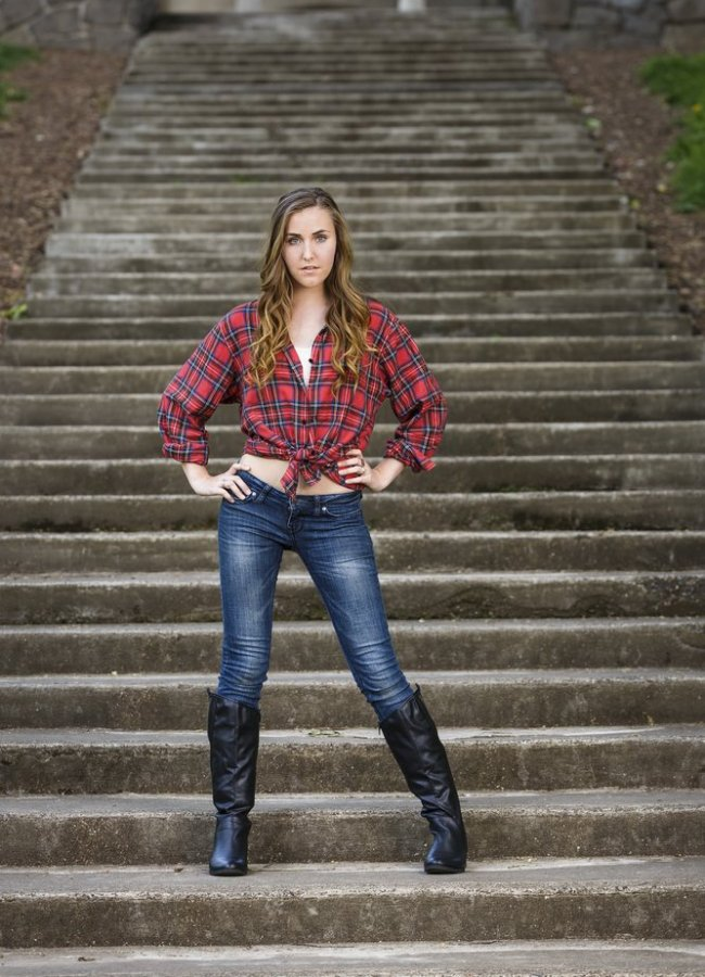 21 Cute Outfits With Flannel Shirts