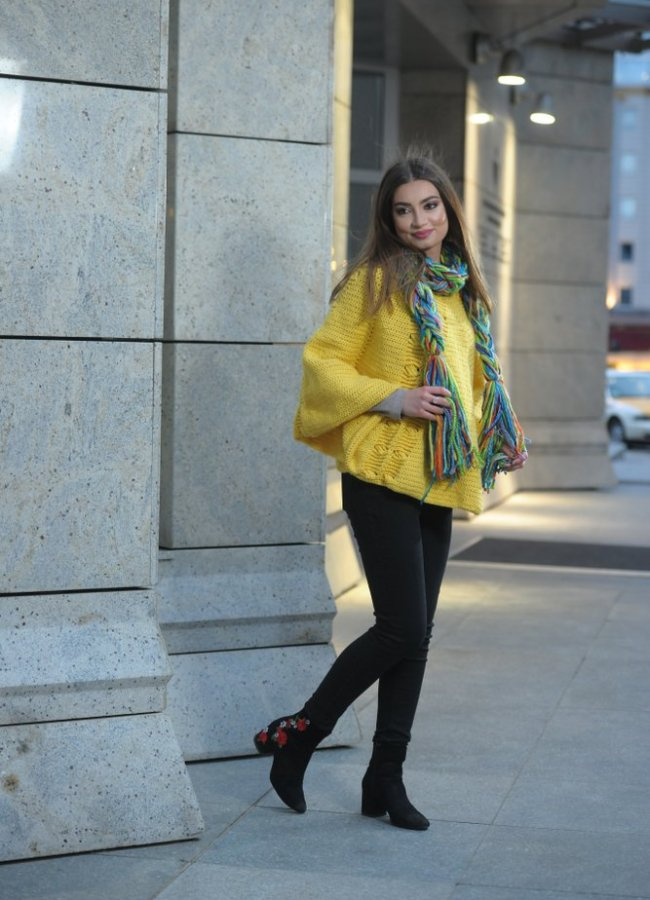 21 Cute Outfits With Ponchos